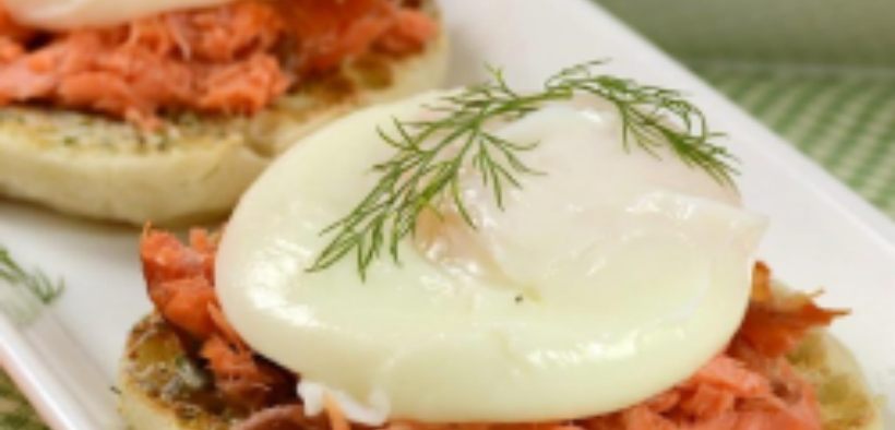 SMOKED SALMON AND DILL EGGS BENEDICT