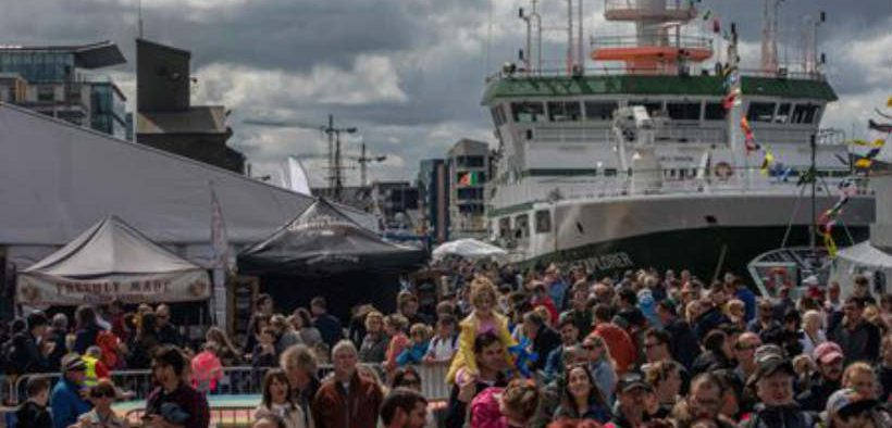 THOUSANDS FLOCK TO SEAFEST
