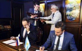 ARGENTINA AND RUSSIA SIGN