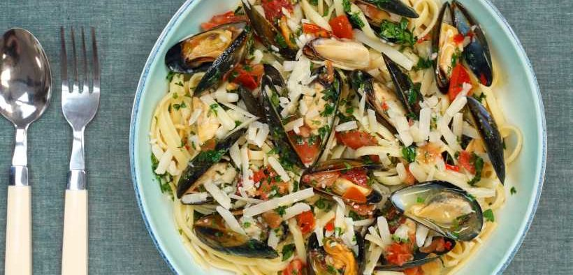 SPICY MUSSELS AND TOMATO